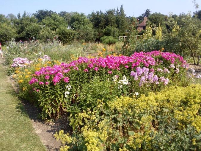 LOSELEY Gardens 5